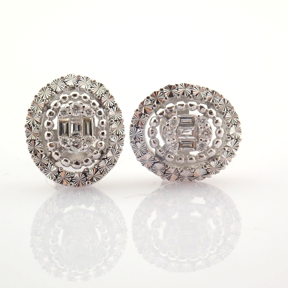 14K White Gold Diamond Earring - Image 10 of 10