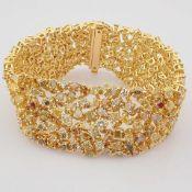18K Yellow Gold Bracelet- 33,46 Ct. Natural Fancy Diamond