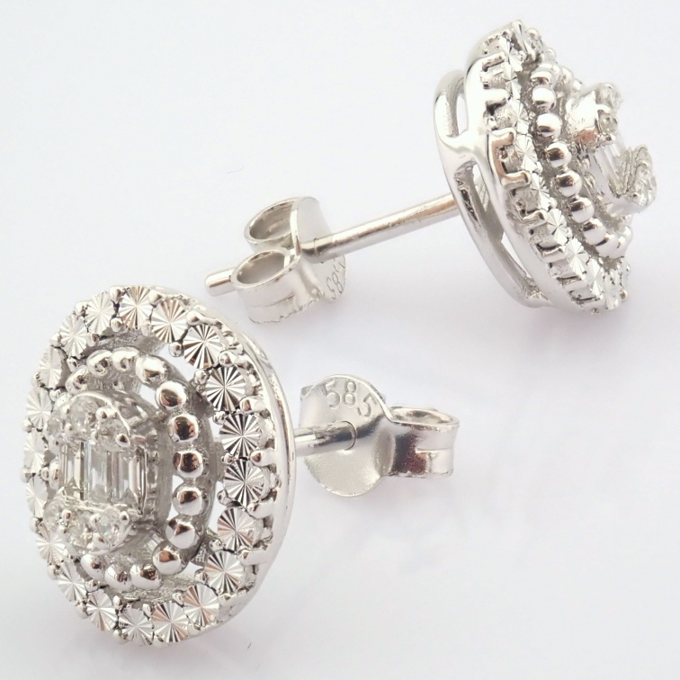 14K White Gold Diamond Earring - Image 7 of 10