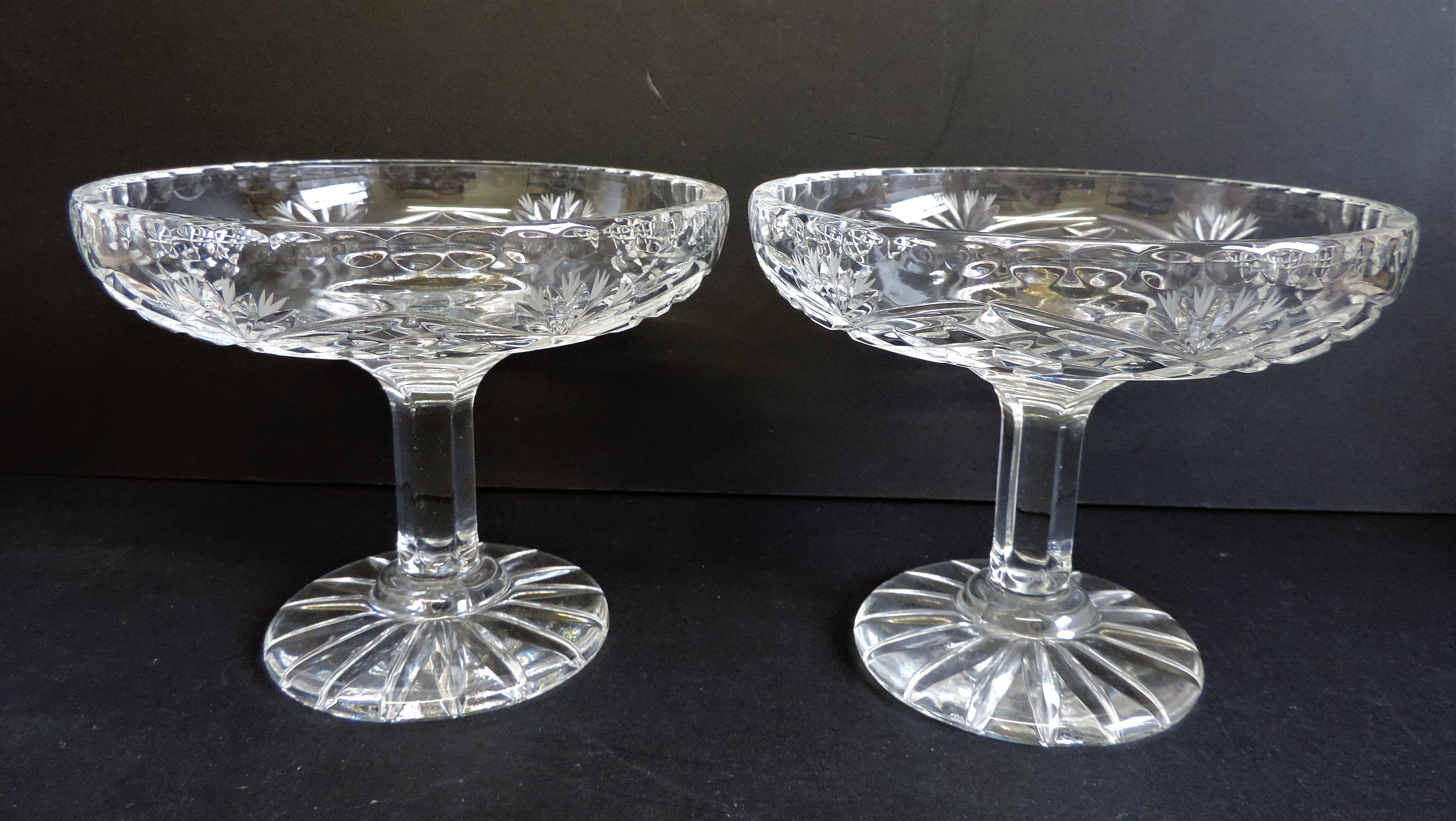 Pair of Hand Cut Crystal Dishes by Zawercie of Poland - Image 5 of 5