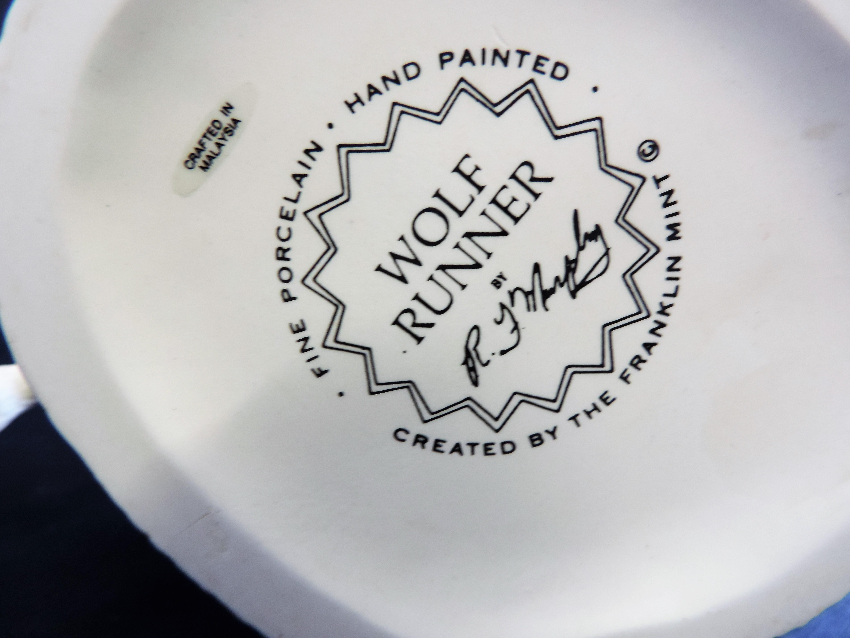 Franklin Mint 'Wolf Runner' Porcelain Figurine Sculpture R.J. Murphy - Image 6 of 6