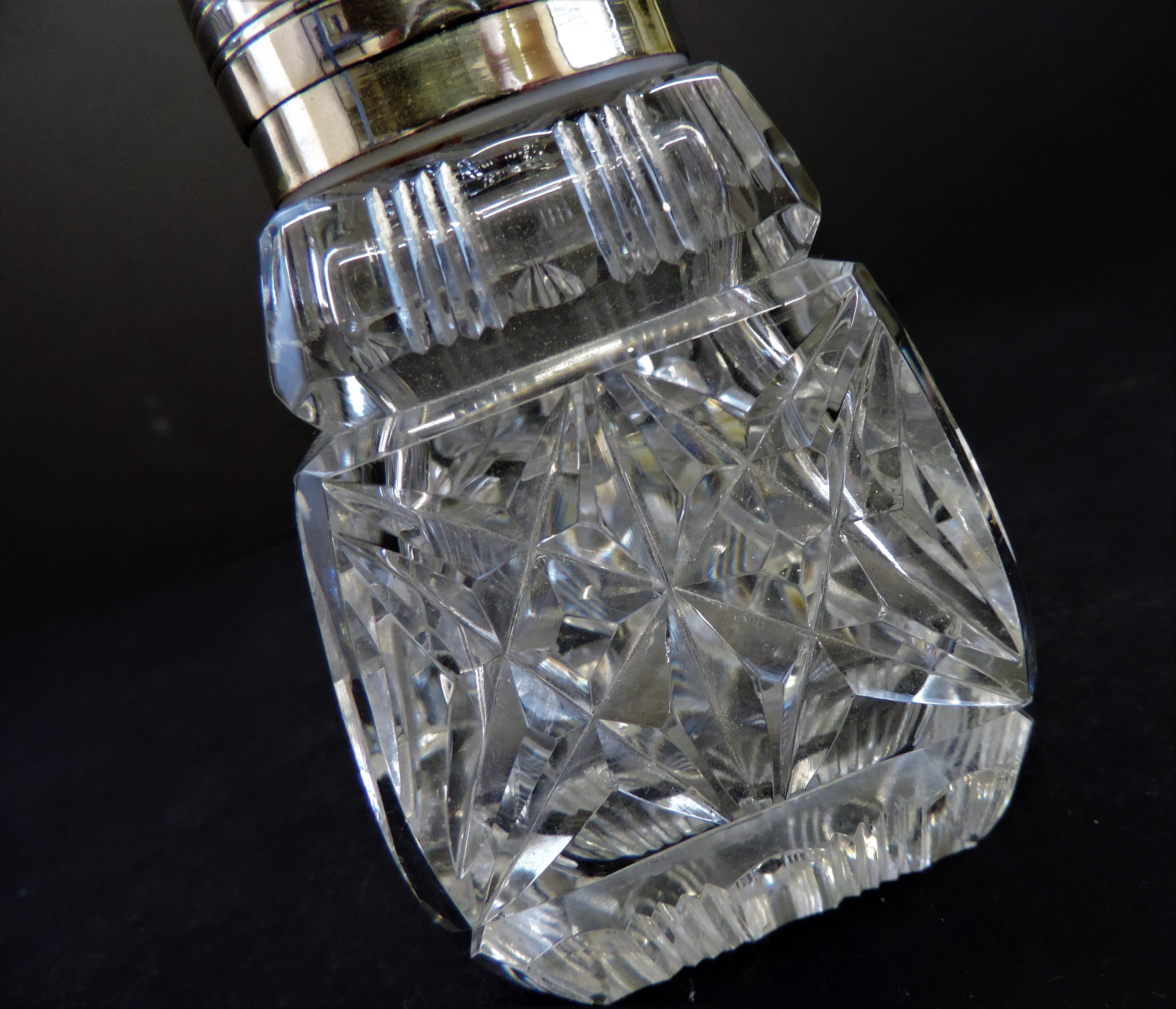 Vintage Silver Plate Cut Glass Sugar Shaker - Image 3 of 3