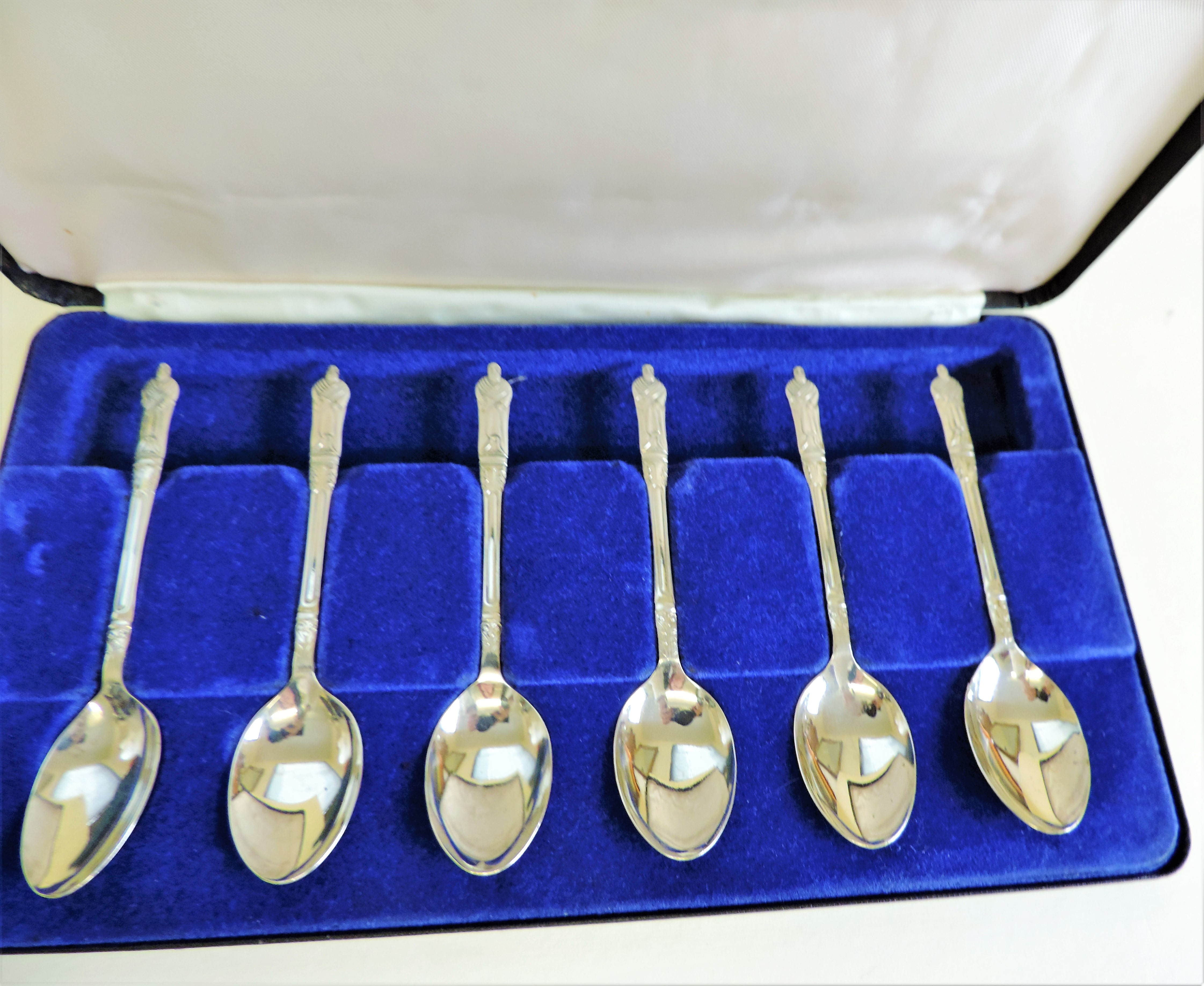 Cased Set 6 Silver Plated Apostle Tea Spoons - Image 2 of 3