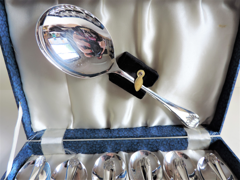 Vintage Cased Set Silver Plated Pastry/Dessert Forks & Spoons - Image 3 of 4