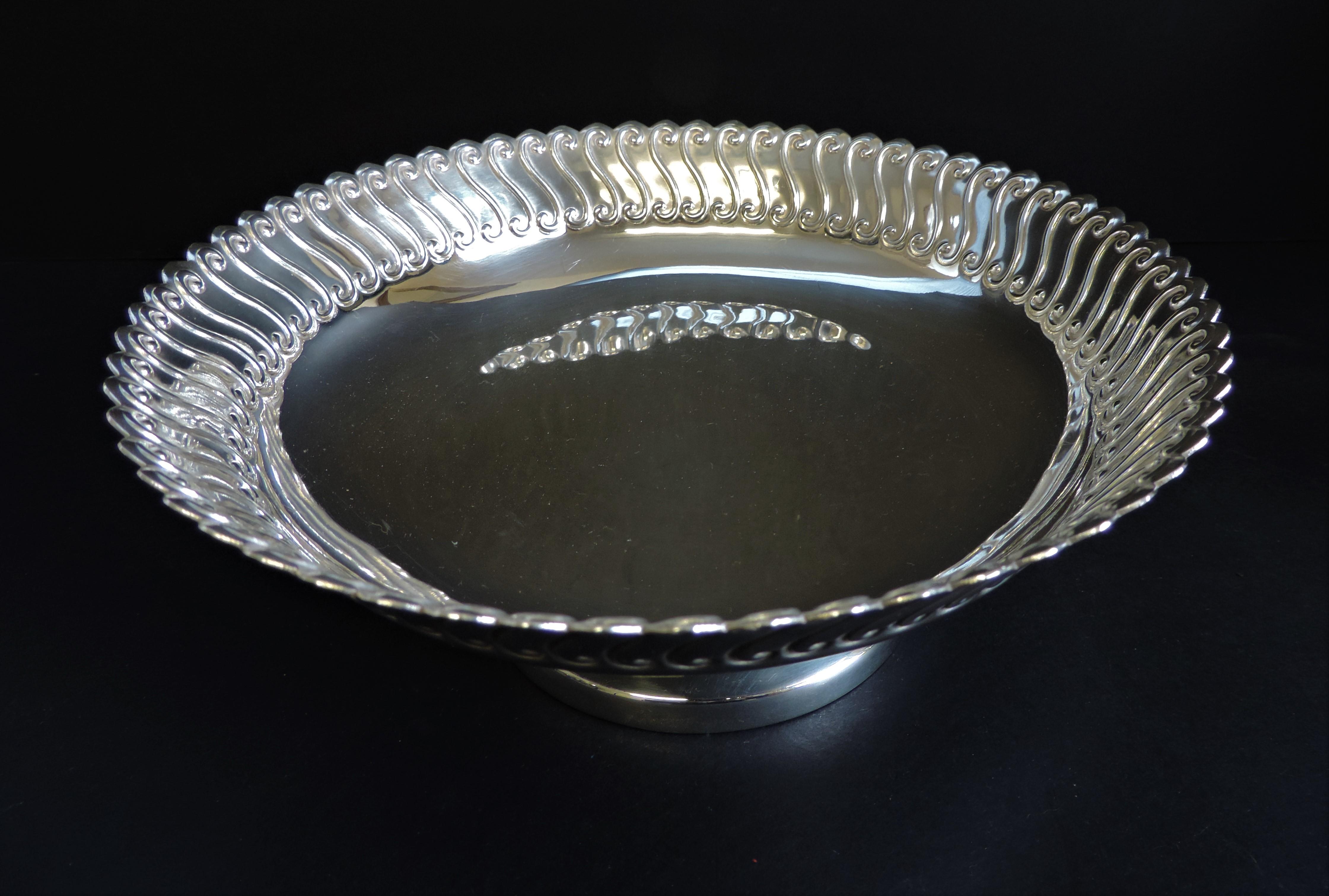Antique Art Nouveau Silver Plated Pedestal Bowl - Image 2 of 4