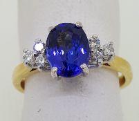 18ct (750) Yellow Gold Oval Tanzanite & Diamond Ring