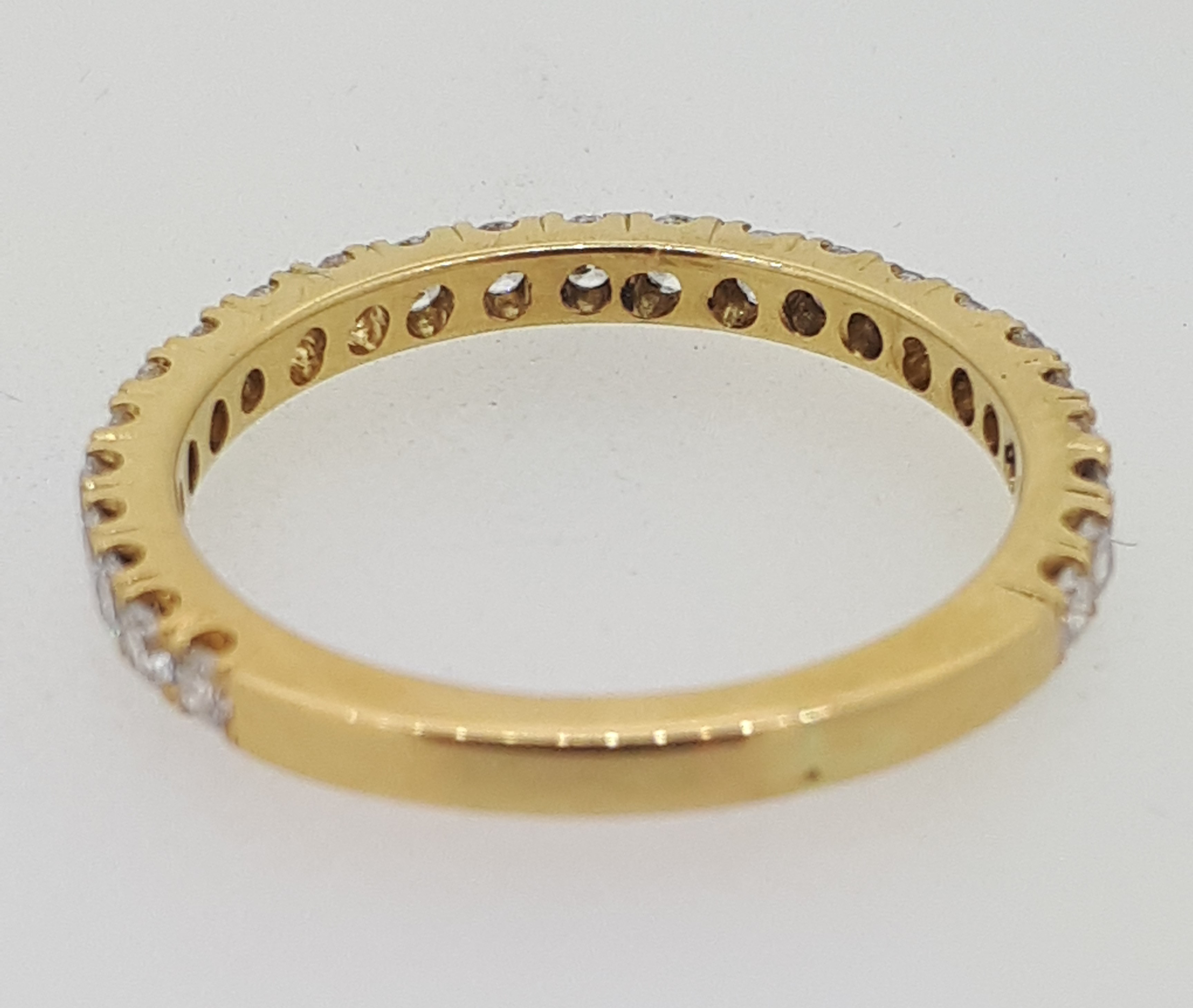 Handmade 18ct (750) yellow Gold 0.25ct 3/4 Claw Set Eternity Ring - Image 5 of 6