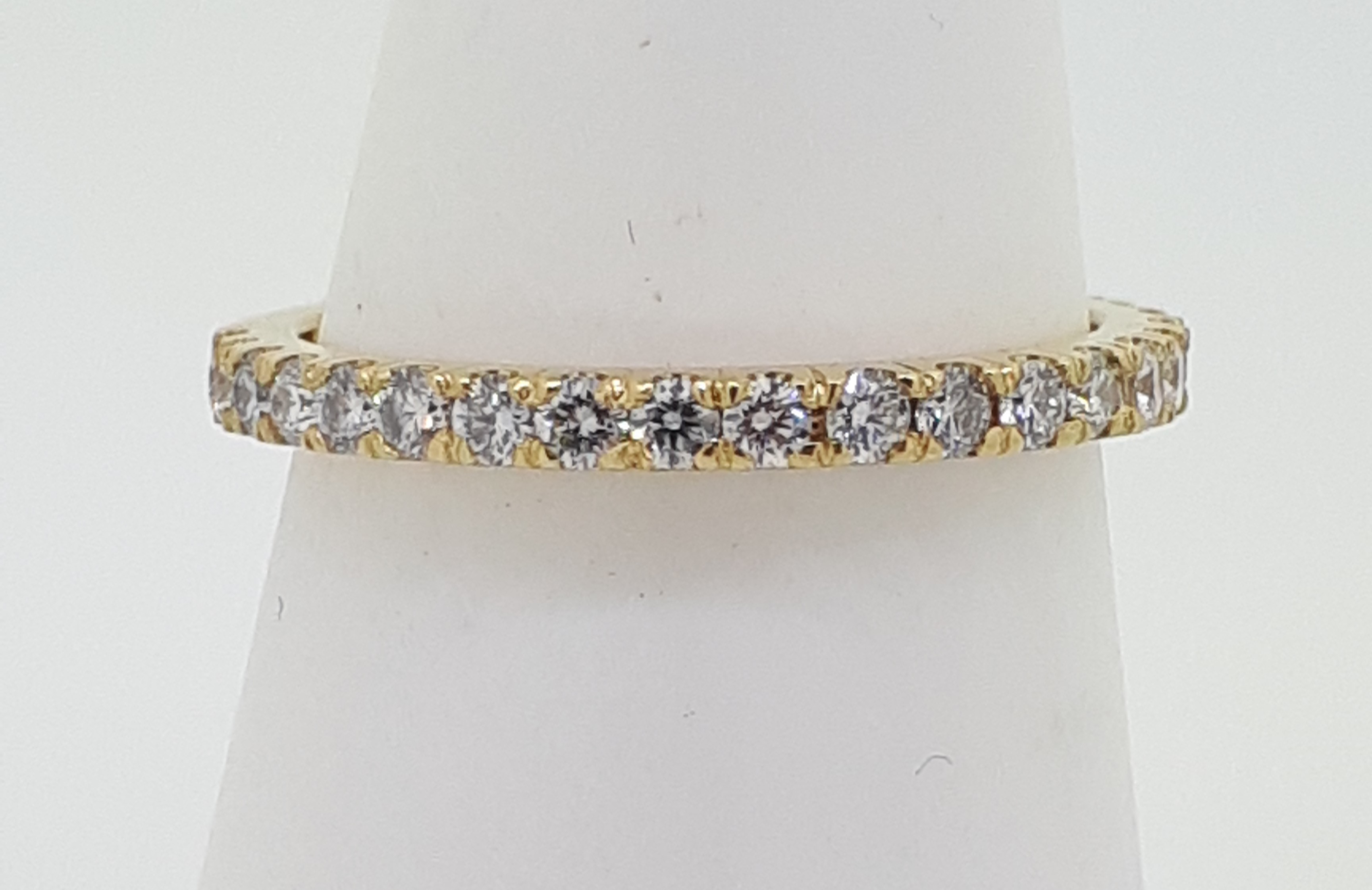Handmade 18ct (750) yellow Gold 0.25ct 3/4 Claw Set Eternity Ring - Image 2 of 6