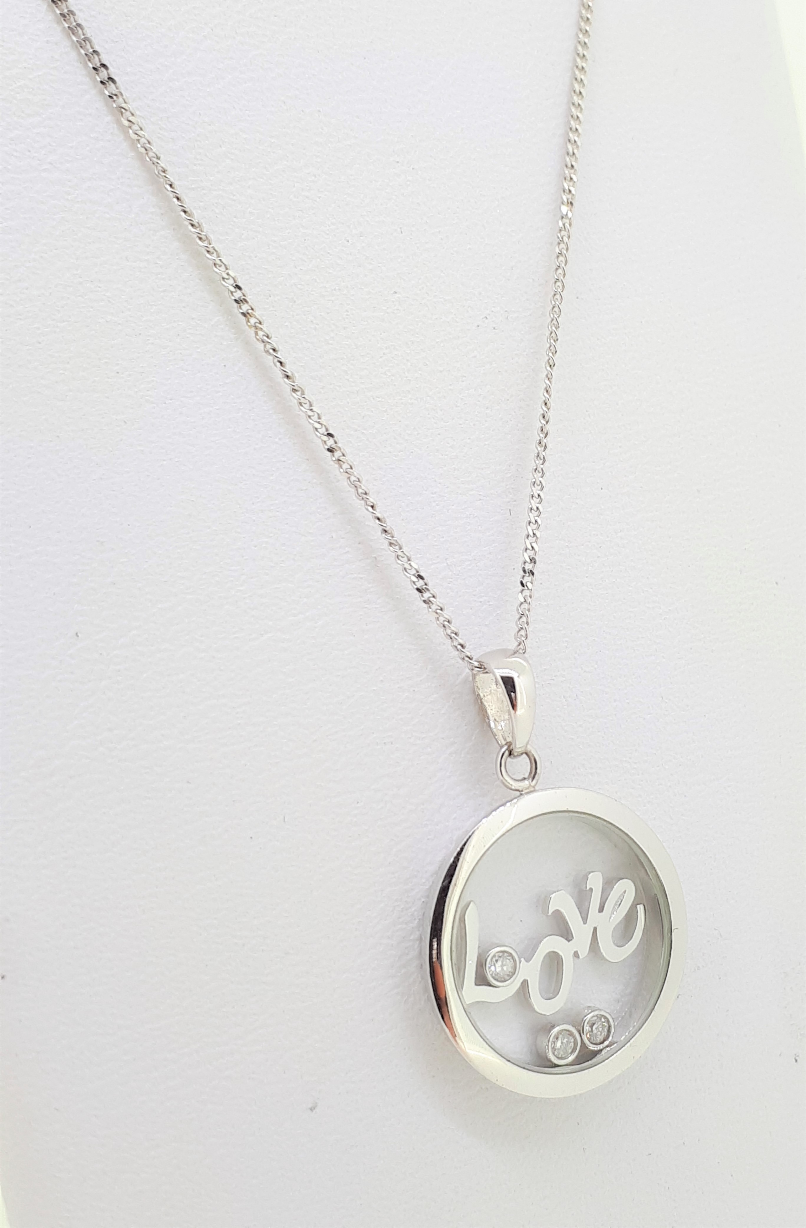 9ct White Gold 'Love' Circle Diamond Pendant on Curb Chain Necklace - Image 2 of 5