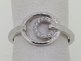 18ct (750) White Gold Diamond Dress Ring