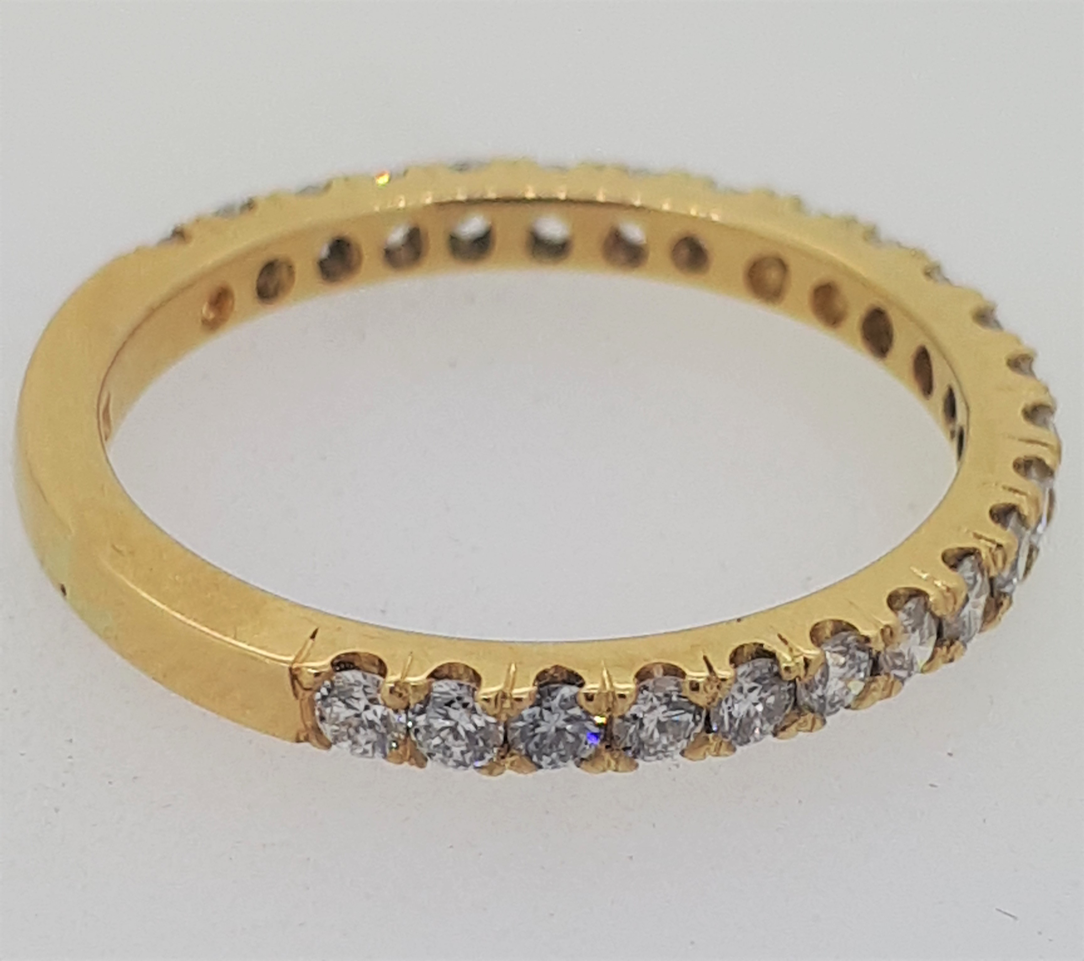 Handmade 18ct (750) yellow Gold 0.25ct 3/4 Claw Set Eternity Ring - Image 3 of 6