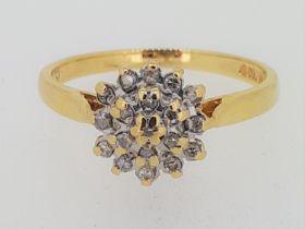 18ct (750) Yellow Gold Diamond Cluster Ring