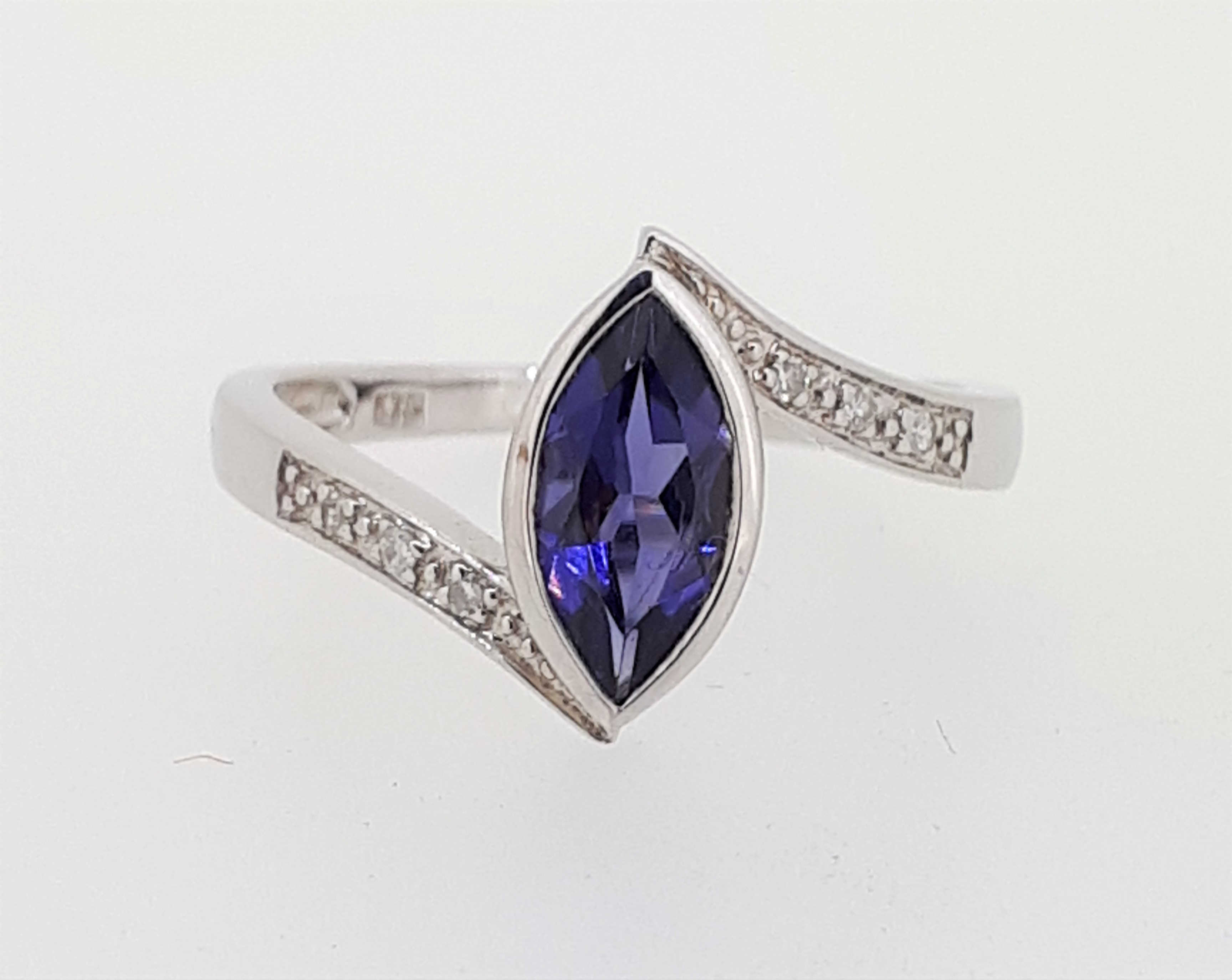 9ct (375) White Gold Diamond & Marquise Iolite Crossover Ring - Image 3 of 5