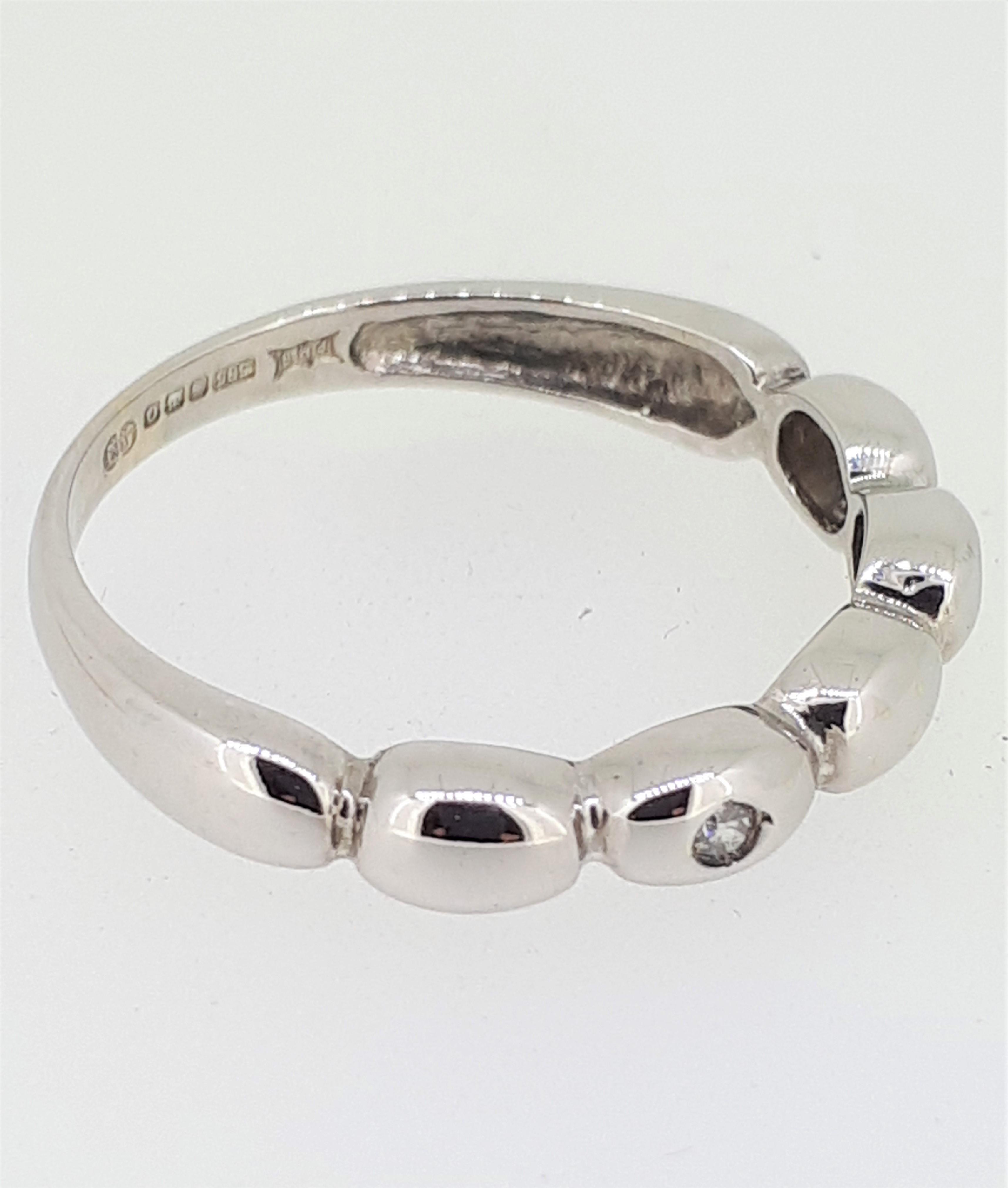 14ct (585) White Gold & Diamond Five Bead Ring - Image 5 of 6