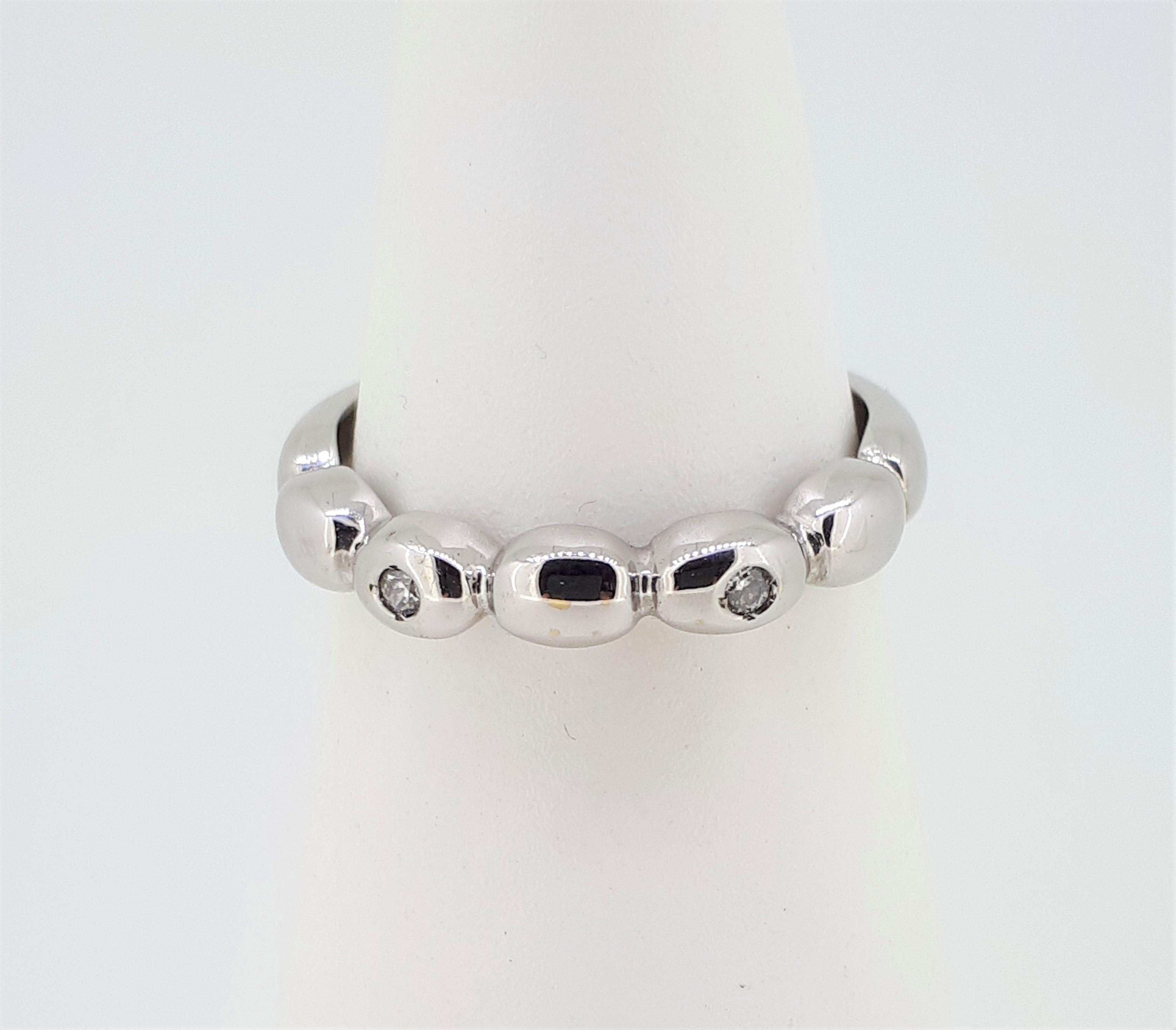 14ct (585) White Gold & Diamond Five Bead Ring - Image 4 of 6
