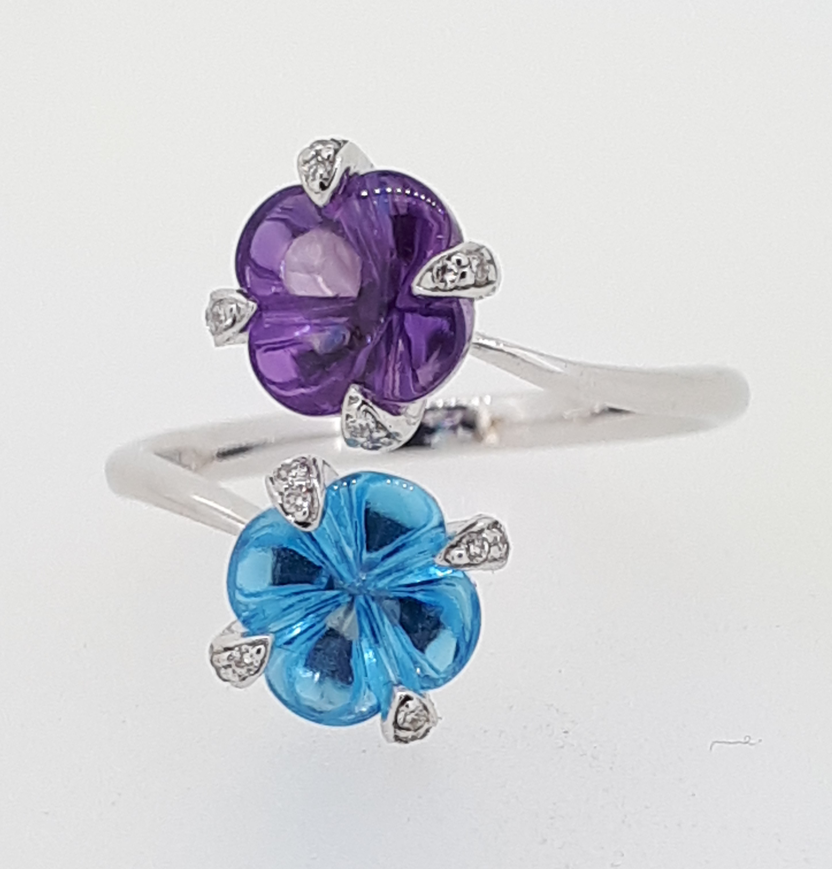 18ct (750) Topaz & Amethyst Crossover Ring with Diamond Claw Setting - Image 4 of 6