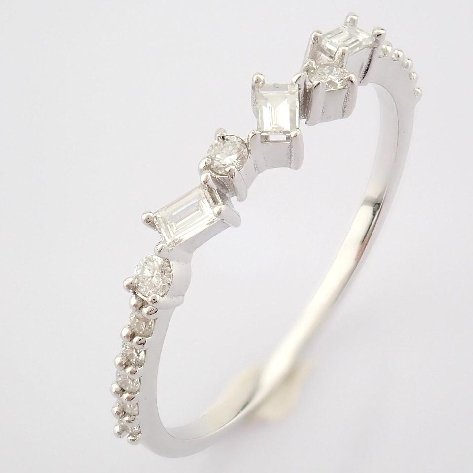 HRD Antwerp Certified 14k White Gold & Diamond Ring (Total 0.19 Ct. Stone) 14k White Gold Ring - Image 4 of 9