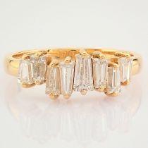 HRD Antwerp Certified 18K Rose/Pink Gold Trapeze Cut Diamond Ring (Total 0.94 Ct. Stone) 18K Rose/