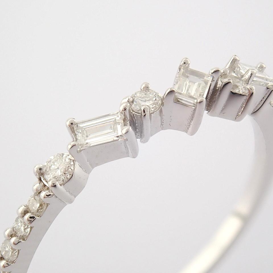 HRD Antwerp Certified 14k White Gold & Diamond Ring (Total 0.19 Ct. Stone) 14k White Gold Ring - Image 6 of 9