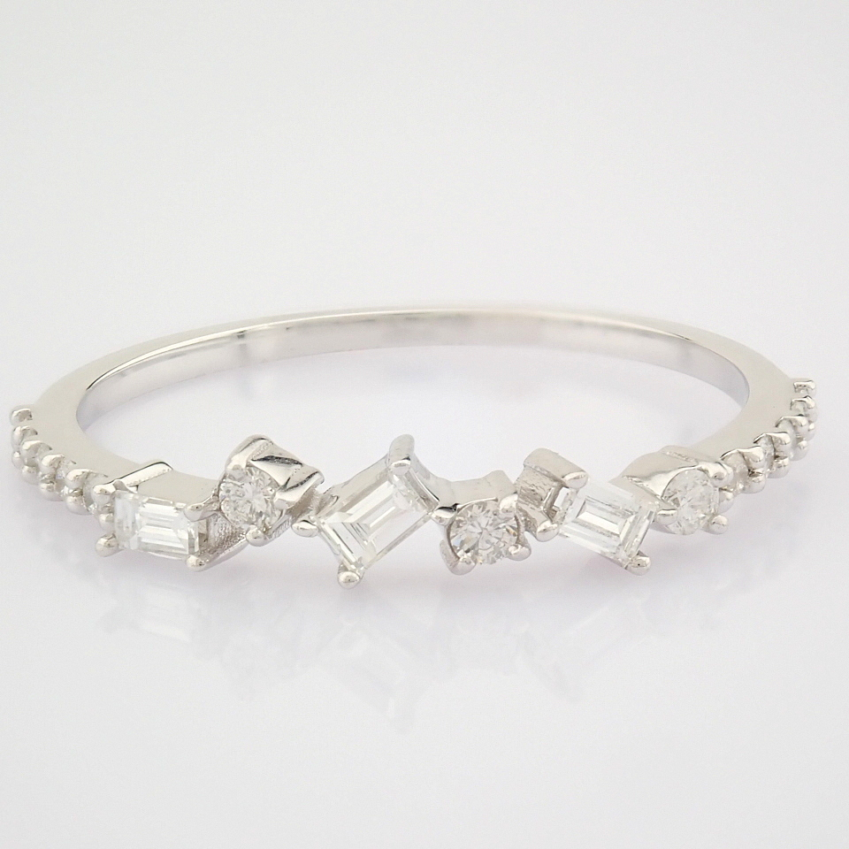 HRD Antwerp Certified 14k White Gold & Diamond Ring (Total 0.19 Ct. Stone) 14k White Gold Ring - Image 8 of 9