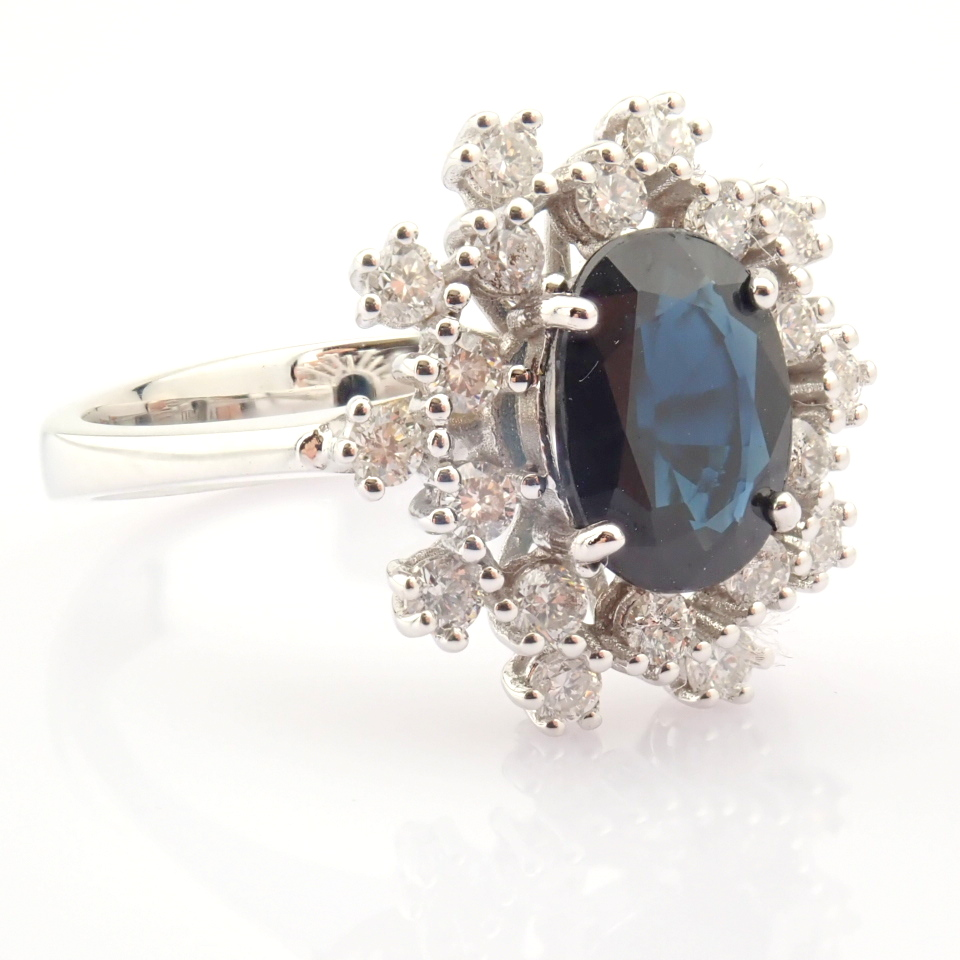 HRD Antwerp Certified 18K White Gold Sapphire Cluster Ring Total 1.45 Ct.   18K White Gold Ring - Image 4 of 6