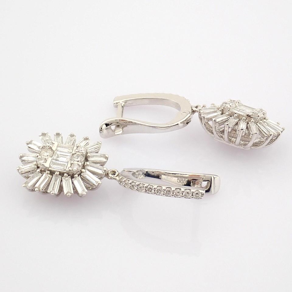HRD Antwerp Certified 14K White Gold Diamond Earring (Total 1.02 Ct. Stone) 14K White Gold Earring - Image 4 of 8