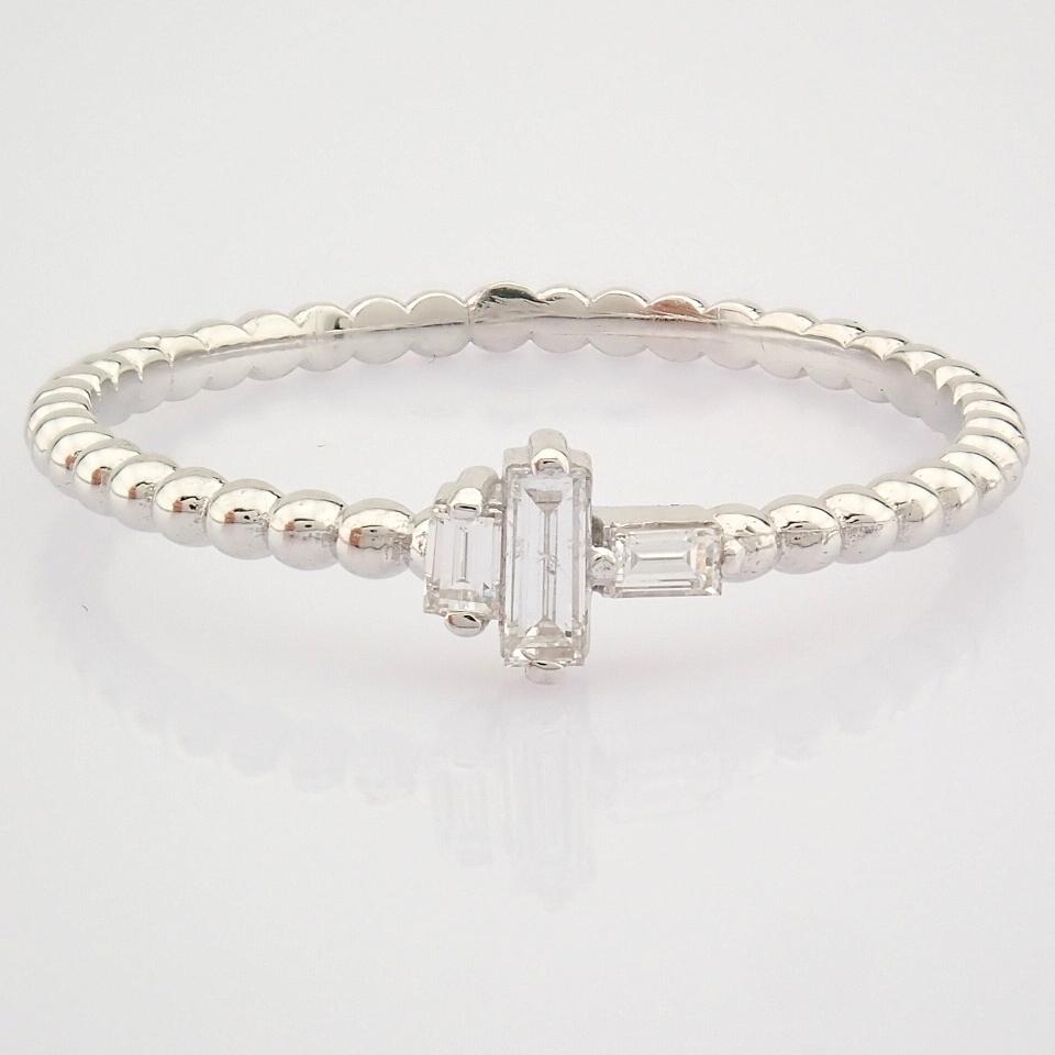 HRD Antwerp Certified 14K White Gold Diamond Ring (Total 0.12 Ct. Stone) 14K White Gold Ring