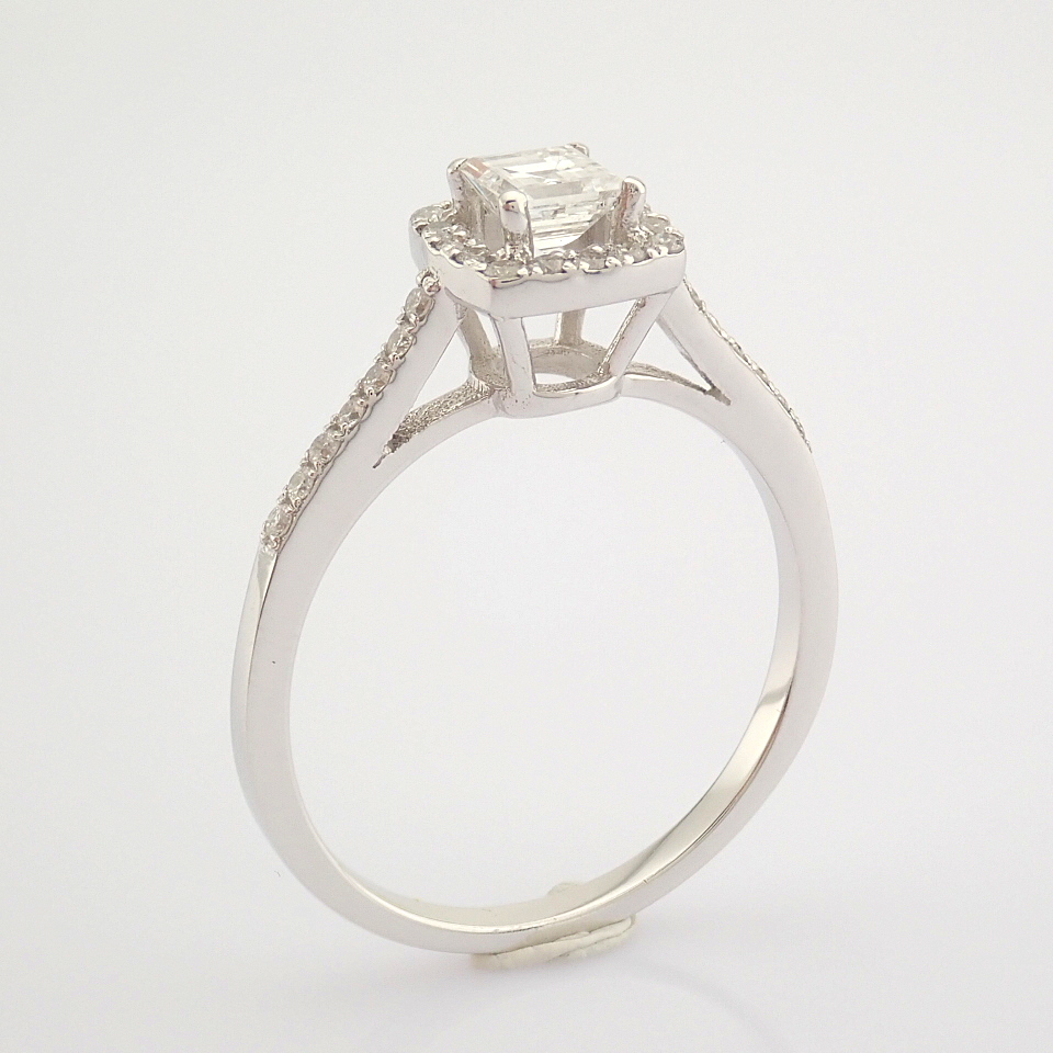HRD Antwerp Certified 18K White Gold Princess Cut Diamond & Diamond Ring (Total 0.52 Ct. Ston... 18K - Image 3 of 9
