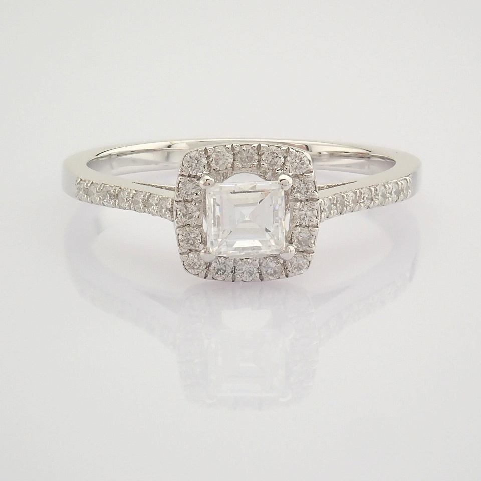HRD Antwerp Certified 18K White Gold Princess Cut Diamond & Diamond Ring (Total 0.52 Ct. Ston... 18K - Image 4 of 9