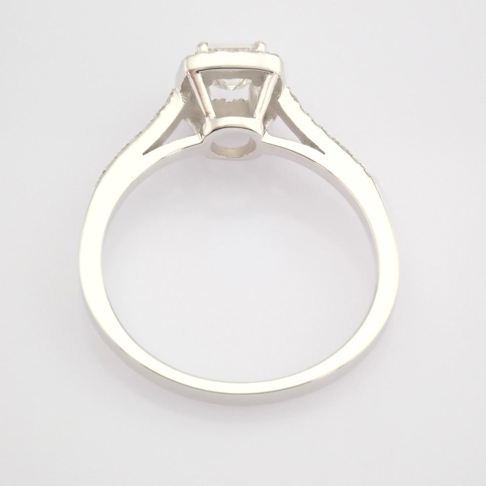 HRD Antwerp Certified 18K White Gold Princess Cut Diamond & Diamond Ring (Total 0.52 Ct. Ston... 18K - Image 7 of 9