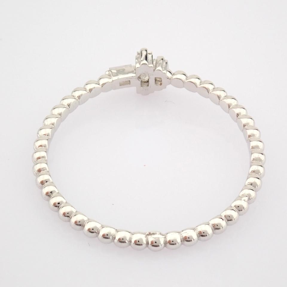 HRD Antwerp Certified 14K White Gold Diamond Ring (Total 0.12 Ct. Stone) 14K White Gold Ring - Image 4 of 8