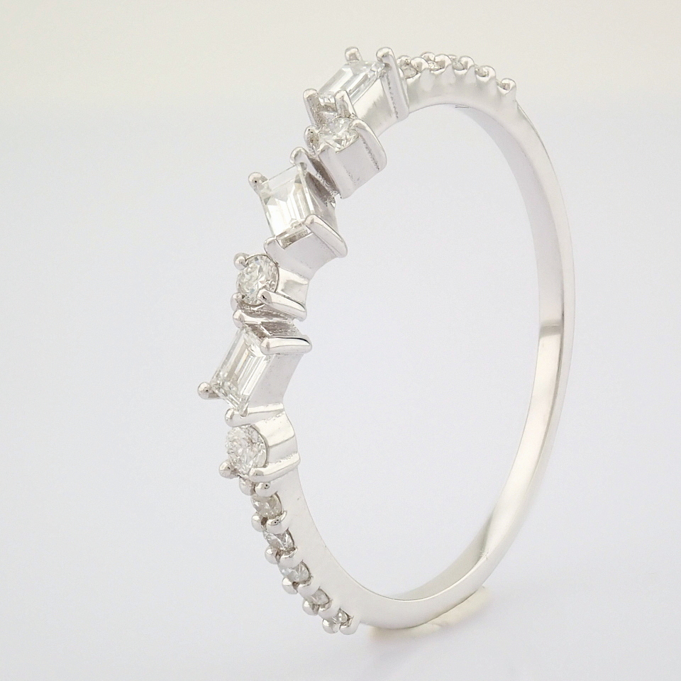 HRD Antwerp Certified 14k White Gold & Diamond Ring (Total 0.19 Ct. Stone) 14k White Gold Ring - Image 7 of 9
