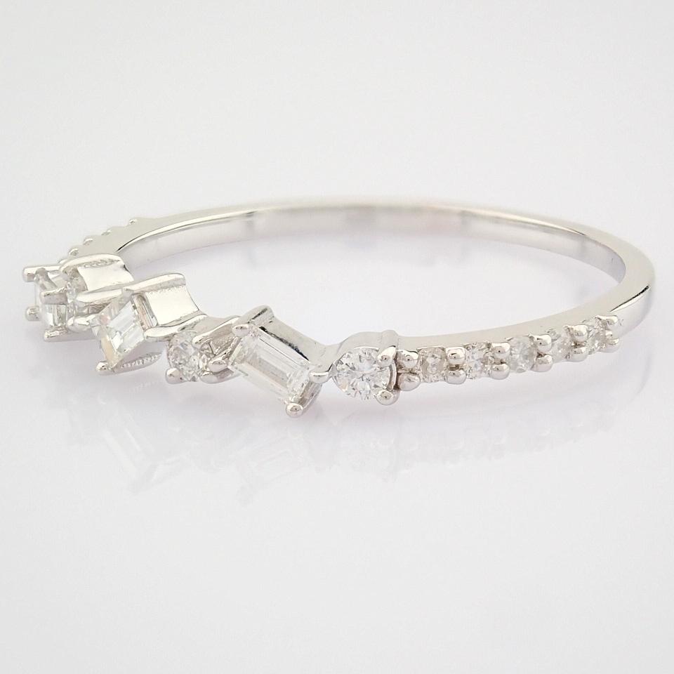 HRD Antwerp Certified 14k White Gold & Diamond Ring (Total 0.19 Ct. Stone) 14k White Gold Ring - Image 9 of 9