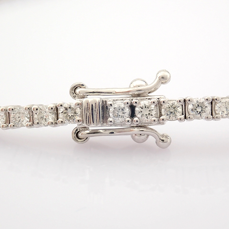 HRD Antwerp Certified 14K White Gold Diamond Bracelet (Total 2.06 Ct. Stone) 14K White Gold Bracelet - Image 2 of 10