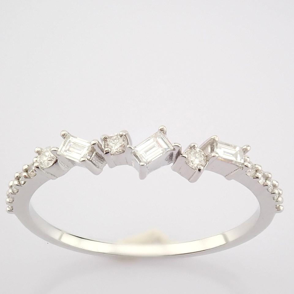 HRD Antwerp Certified 14k White Gold & Diamond Ring (Total 0.19 Ct. Stone) 14k White Gold Ring - Image 5 of 9