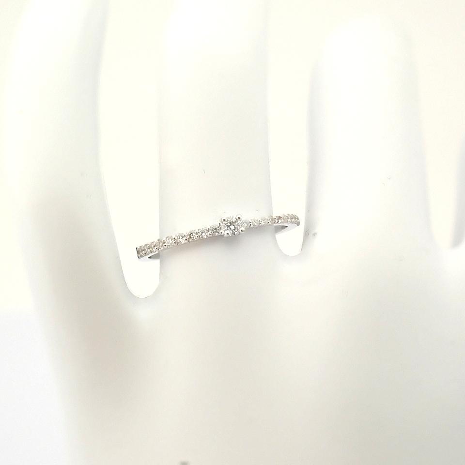 HRD Antwerp Certified 14K White Gold Diamond Ring (Total 0.11 Ct. Stone) 14K White Gold Ring - Image 8 of 9