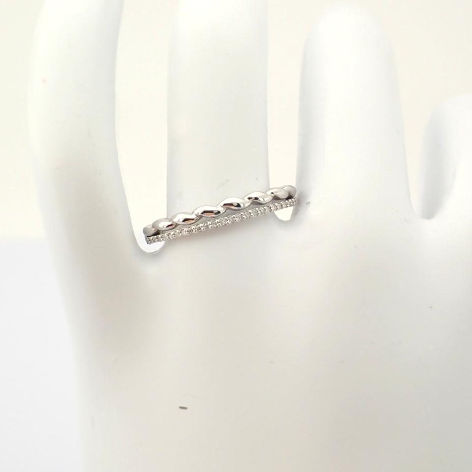 HRD Antwerp Certified 14K White Gold Diamond Ring (Total 0.07 Ct. Stone) 14K White Gold Ring - Image 9 of 9
