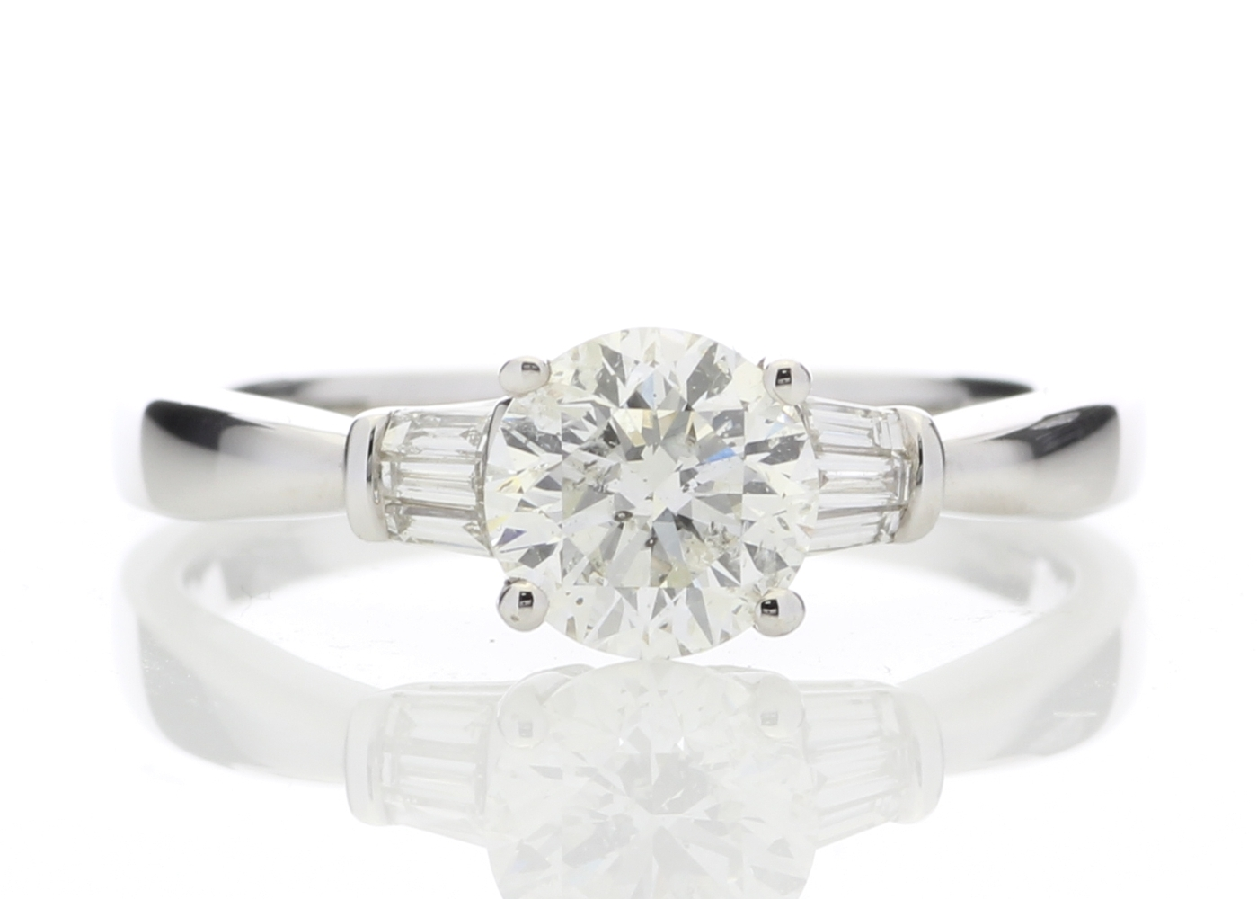 18k White Gold Diamond Ring With Baguette 1.15 Carats