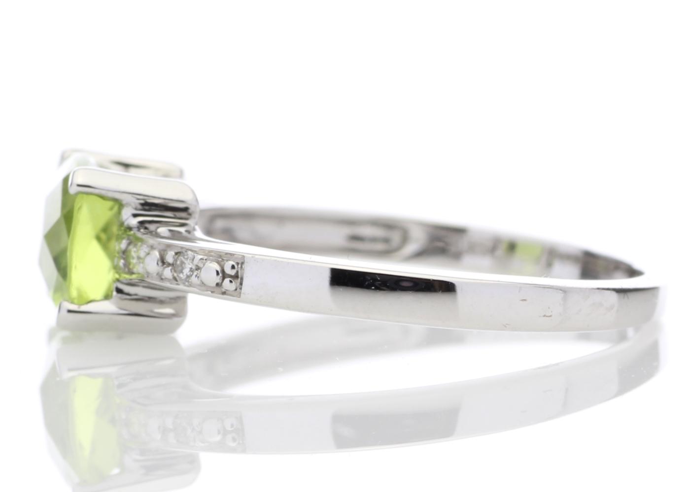 9ct White Gold Peridot Diamond Ring - Image 3 of 5