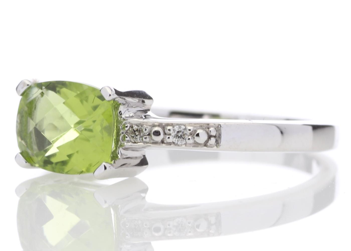 9ct White Gold Peridot Diamond Ring - Image 2 of 5