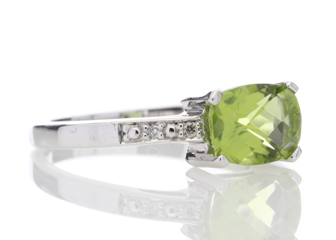9ct White Gold Peridot Diamond Ring - Image 4 of 5