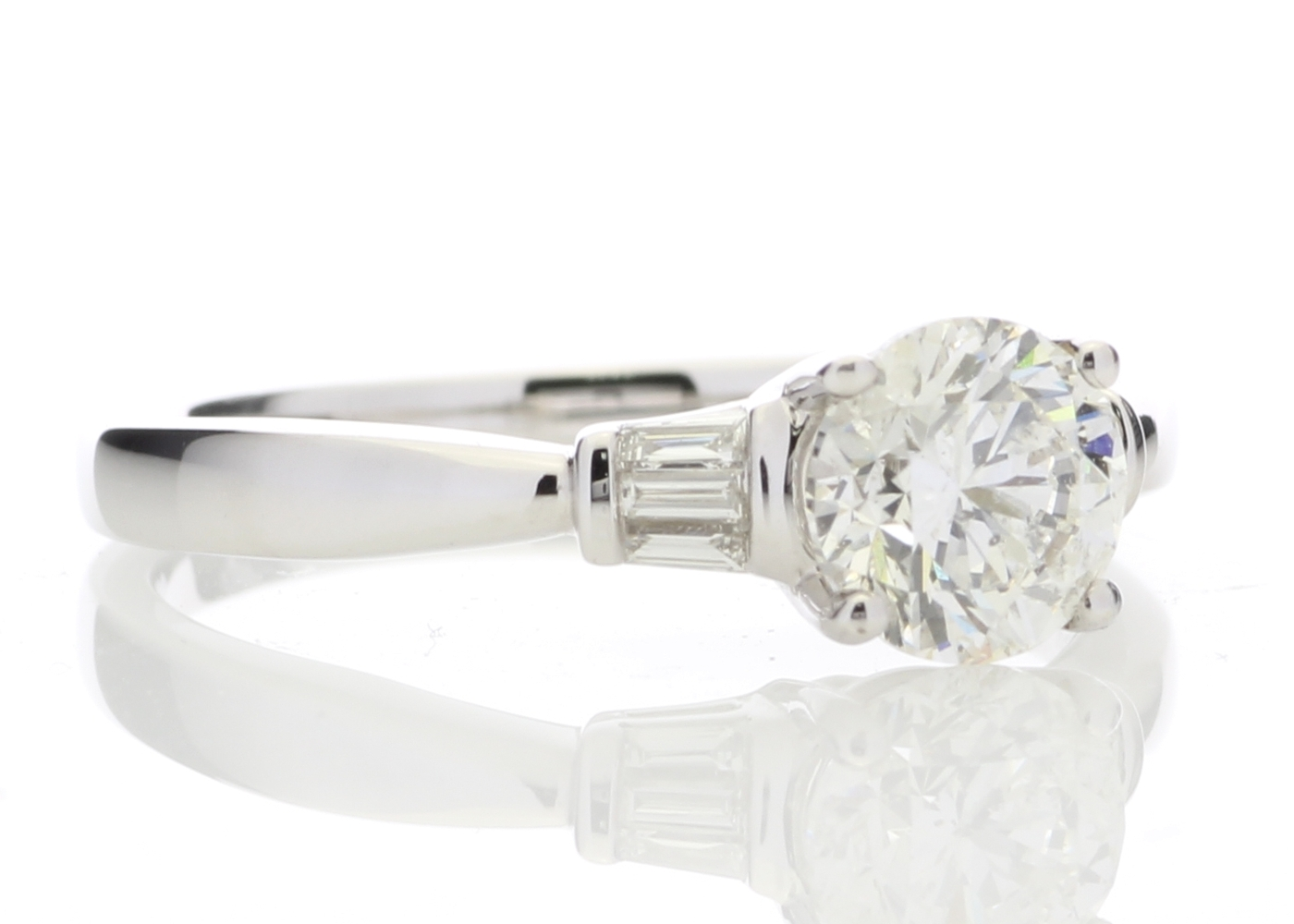 18k White Gold Diamond Ring With Baguette 1.15 Carats - Image 4 of 5