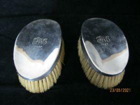 Pair Of Silver Coat Brushes & Comb In Leather Case 1925 Birmingham