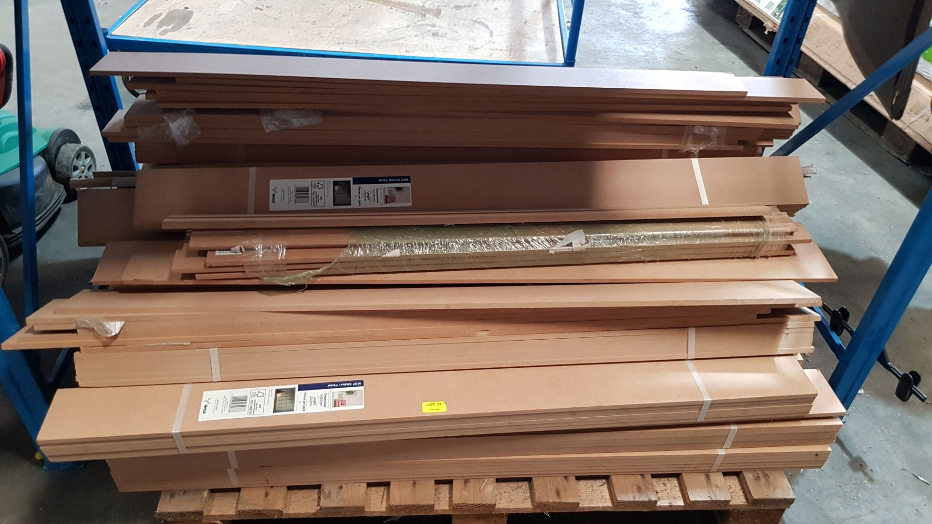 (R10G) Contents Of Pallet. A Qty Of Metsa MDF Shaker Panel. (9 x 100 x 12200mm) - Image 2 of 2