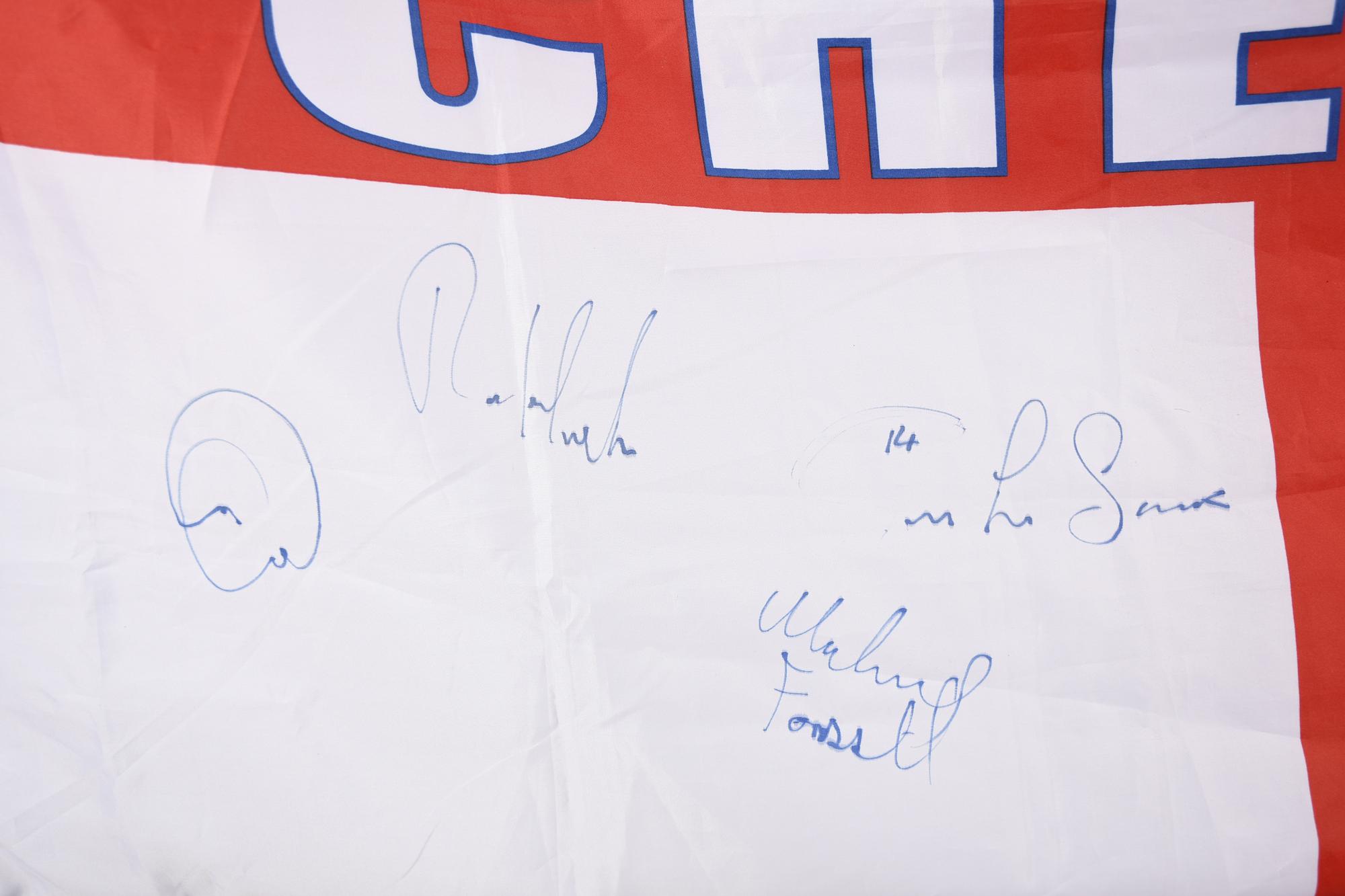 CHELSEA STARS & SIGNED FLAG Original Signature - Image 3 of 11
