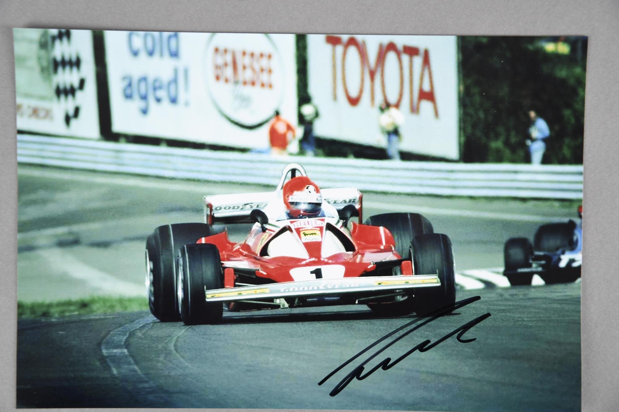 NIKI LAUDA Original signature on photo.