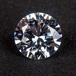 Platinum & Gold Diamond Jewellery I Featuring one 18k White Gold, Single Stone Prong Set Diamond Ring 6.10 Carats