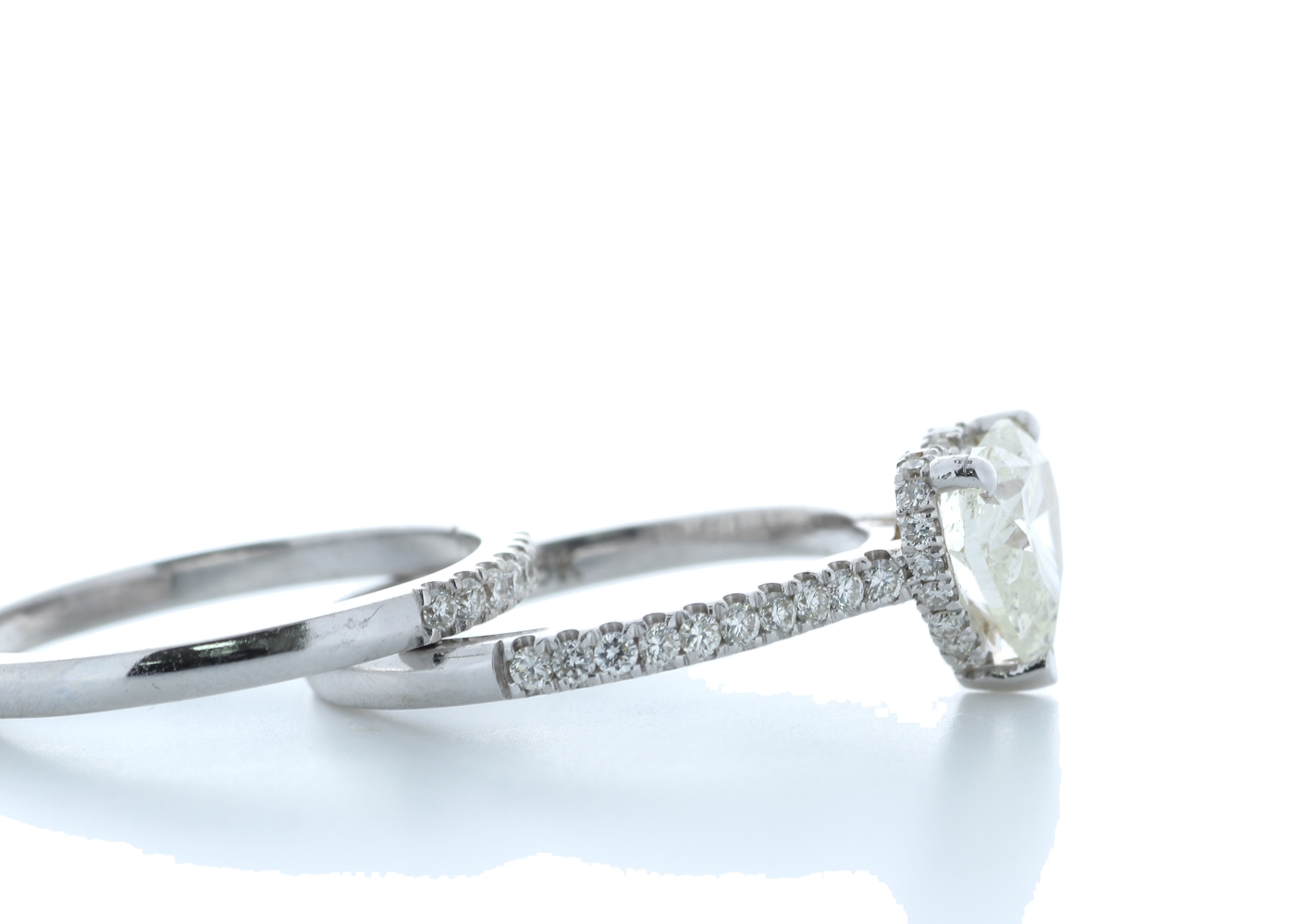 18k White Gold Heart Shape Diamond Ring With Matching Band 2.22 (1.60) Carats - Image 4 of 5