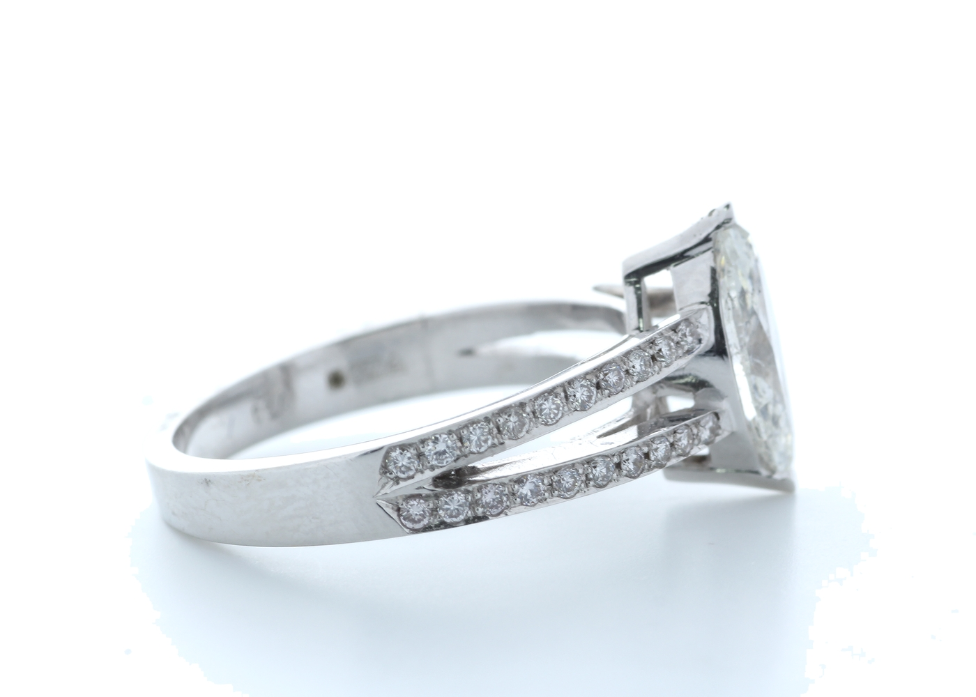 18k White Gold Marquise Cut Diamond Ring 1.41 (1.11) Carats - Image 4 of 5