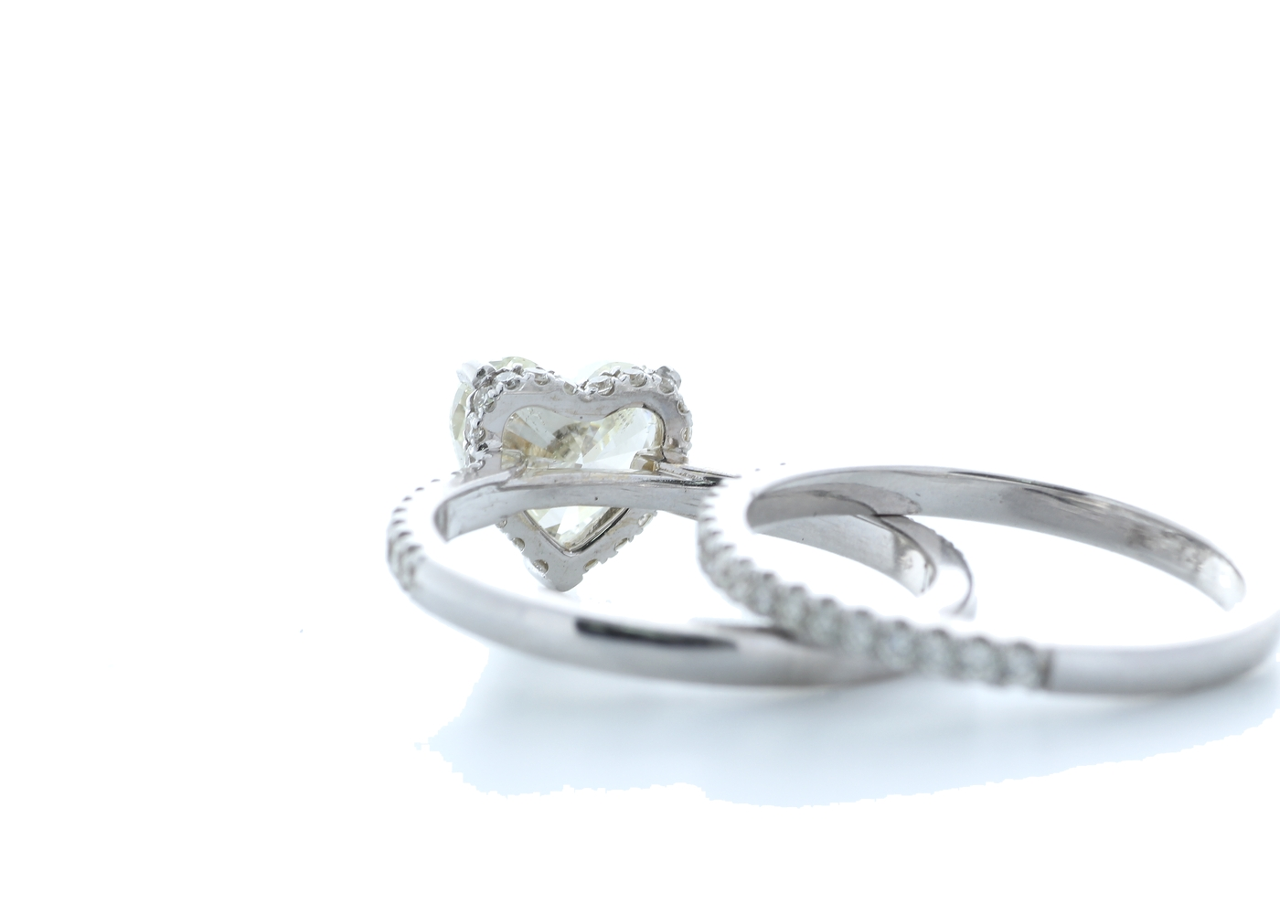 18k White Gold Heart Shape Diamond Ring With Matching Band 2.22 (1.60) Carats - Image 3 of 5